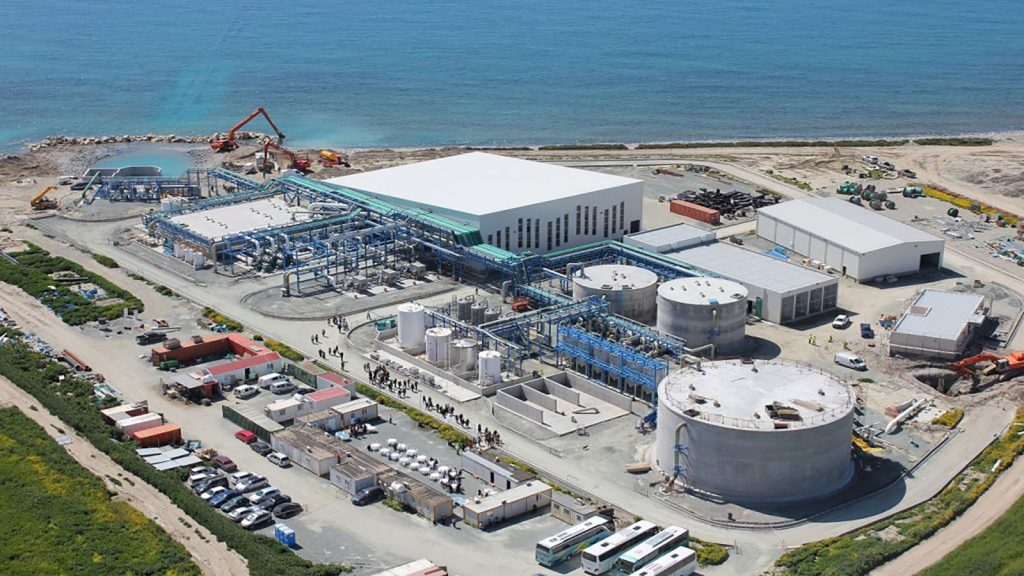 شیرین سازی و نمک زدایی از آب دریا از لحاظ اقتصادی