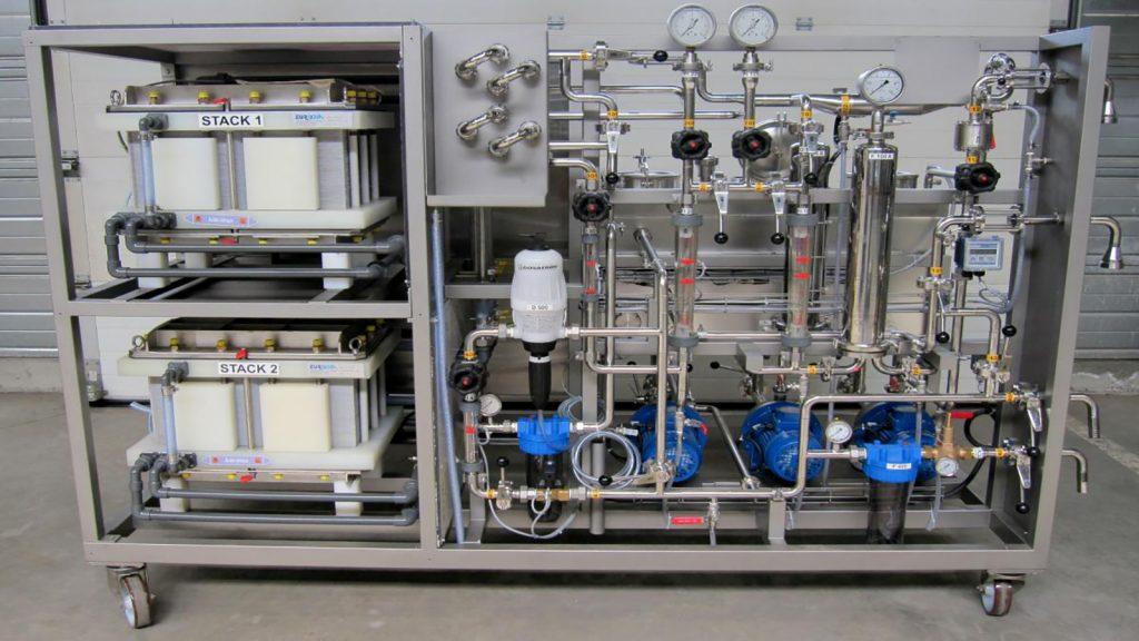 سیستم ترکیبی اسمز معکوس الکترو دیالیز
